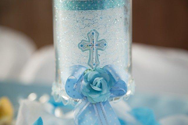 Cadeaux à donner lors d'un baptême si vous êtes marraine ou parrain : les traditions